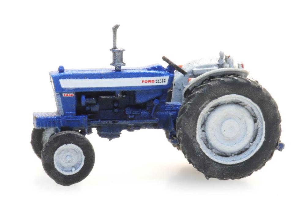 316.081 Ford 5000 Tractor N R LR