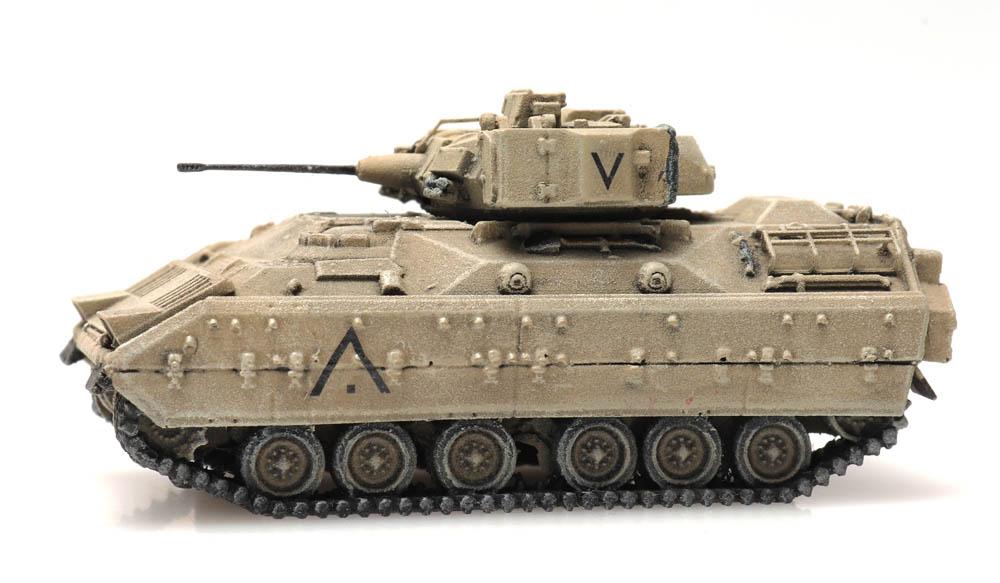6160091 US M2 Bradley Desert Load N R LR