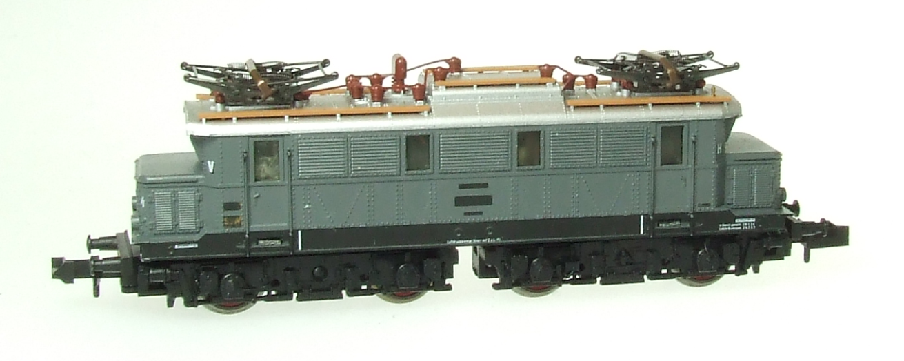 Tri12851